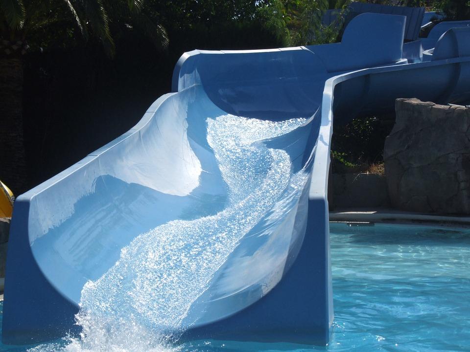 bazénový tobogán
