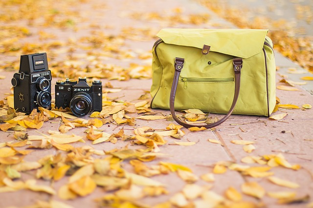 kabelka a foťák.jpg
