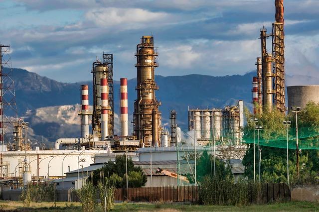 """Čína vzkazuje státním firmám: """"Kupujte americkou ropu a obilí!"""""""