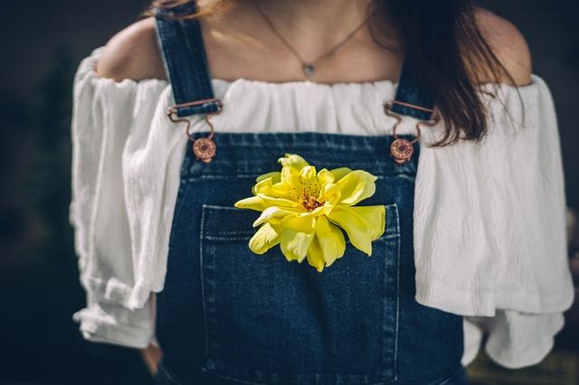 květina v kapse